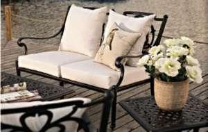 Bahçe mobilyası oturma grubu CAST ALUMINUM SPR AMBAR Pier 18 ikili kanepe yan sehpa orta sehpa çiçek yastık minder günbatımı ahşap deck çiçek saksı