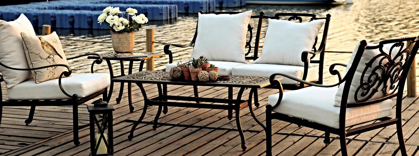 Bahçe mobilyası oturma grubu CAST ALUMINUM SPR AMBAR Pier 18 ikili kanepe tekli koltuk yan sehpa orta sehpa çiçek yastık minder günbatımı ahşap deck çiçek saksı